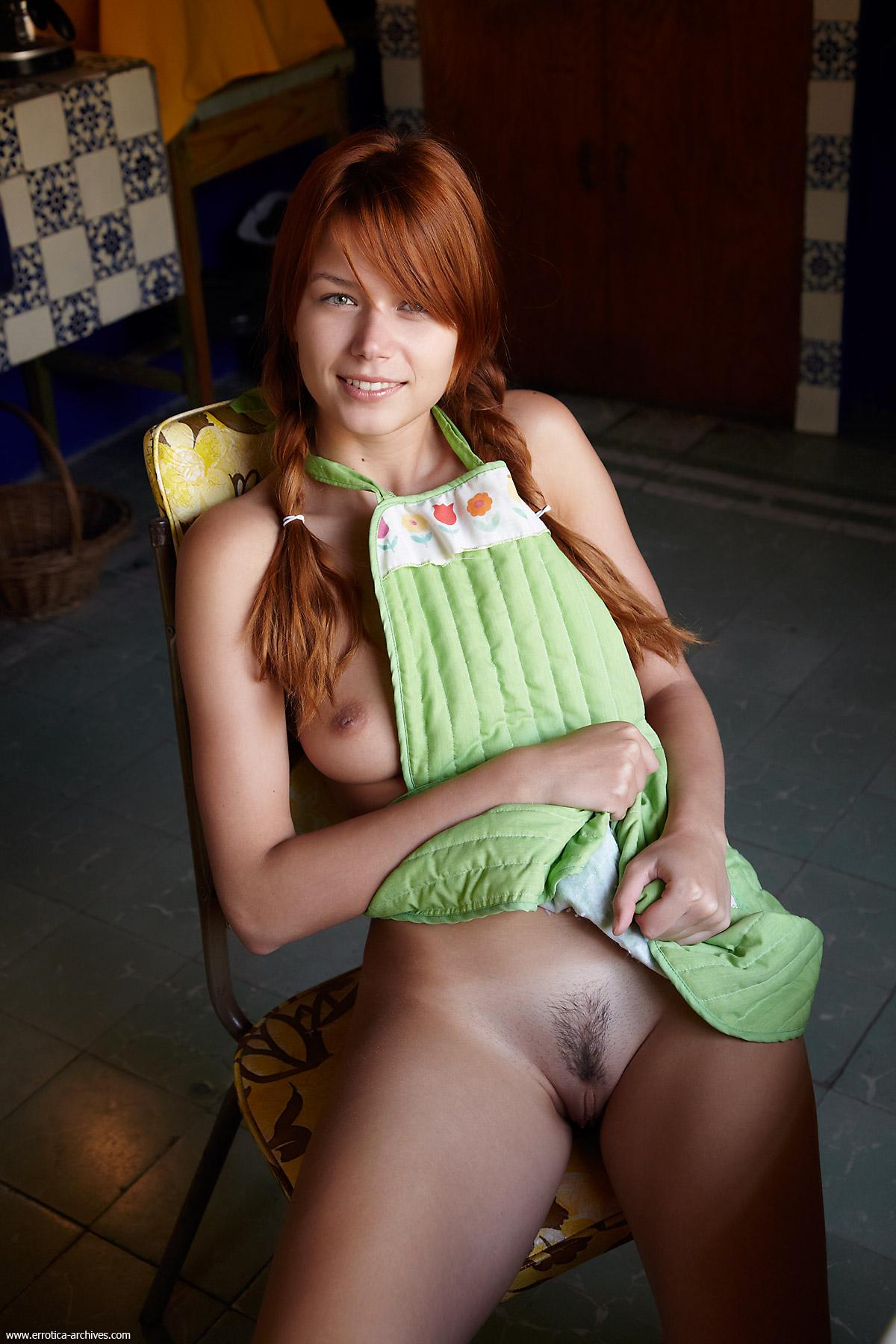 Gostosa brasileira de bikini na praia 2 - 1 part 2
