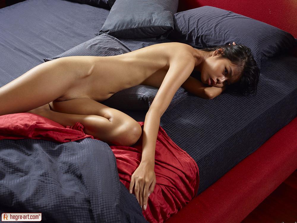 free porno syren the girl from bikini