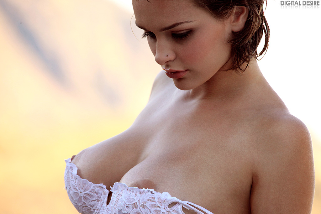 Hailee Rain - strips off her white bra and blue jeans for you
