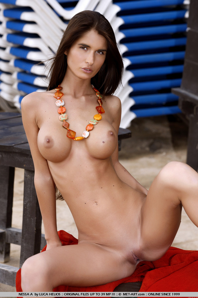 top 10 nude models Top 10 Black Women Famous for Being Naked - History and.