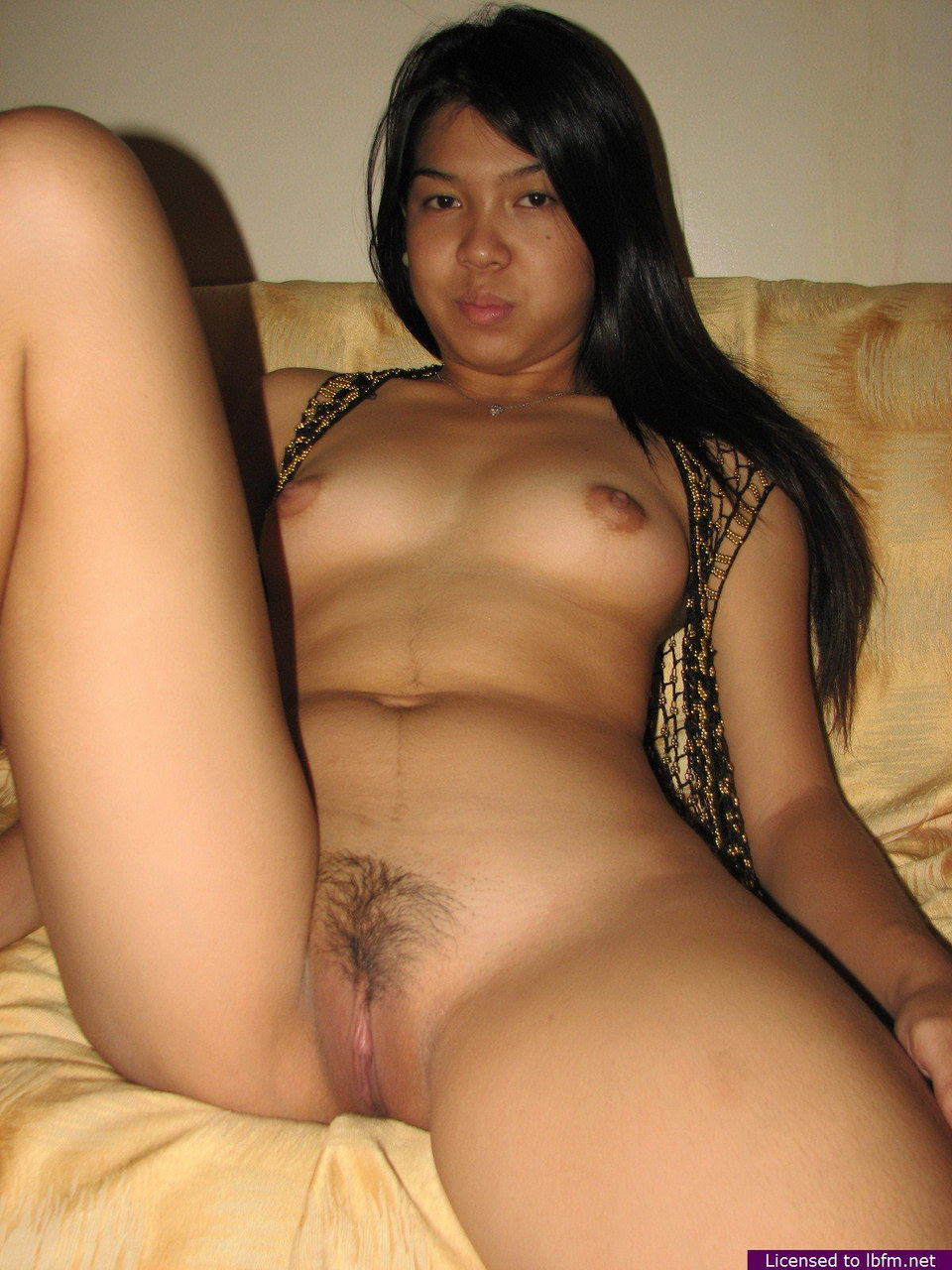 young naked panamanian girl