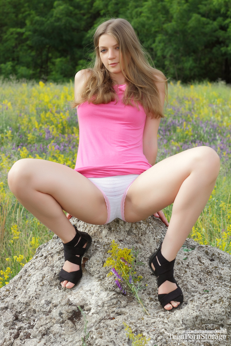 Opinion, actual, Young teen girl models spread legs