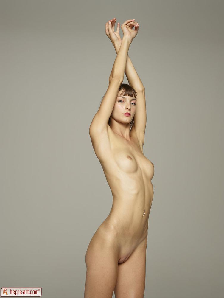 girls showing nude body