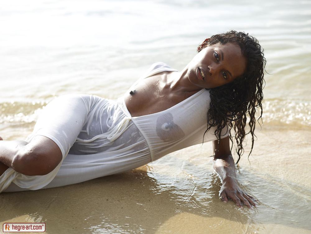 ebony beach babes