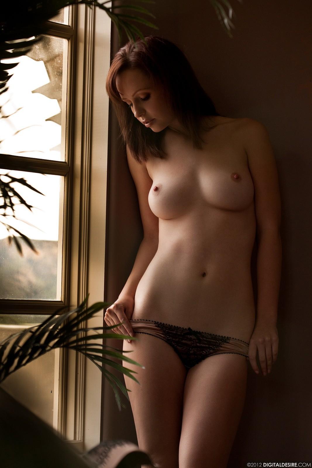 Attractive Sunlight On Nude Gallery Scenes
