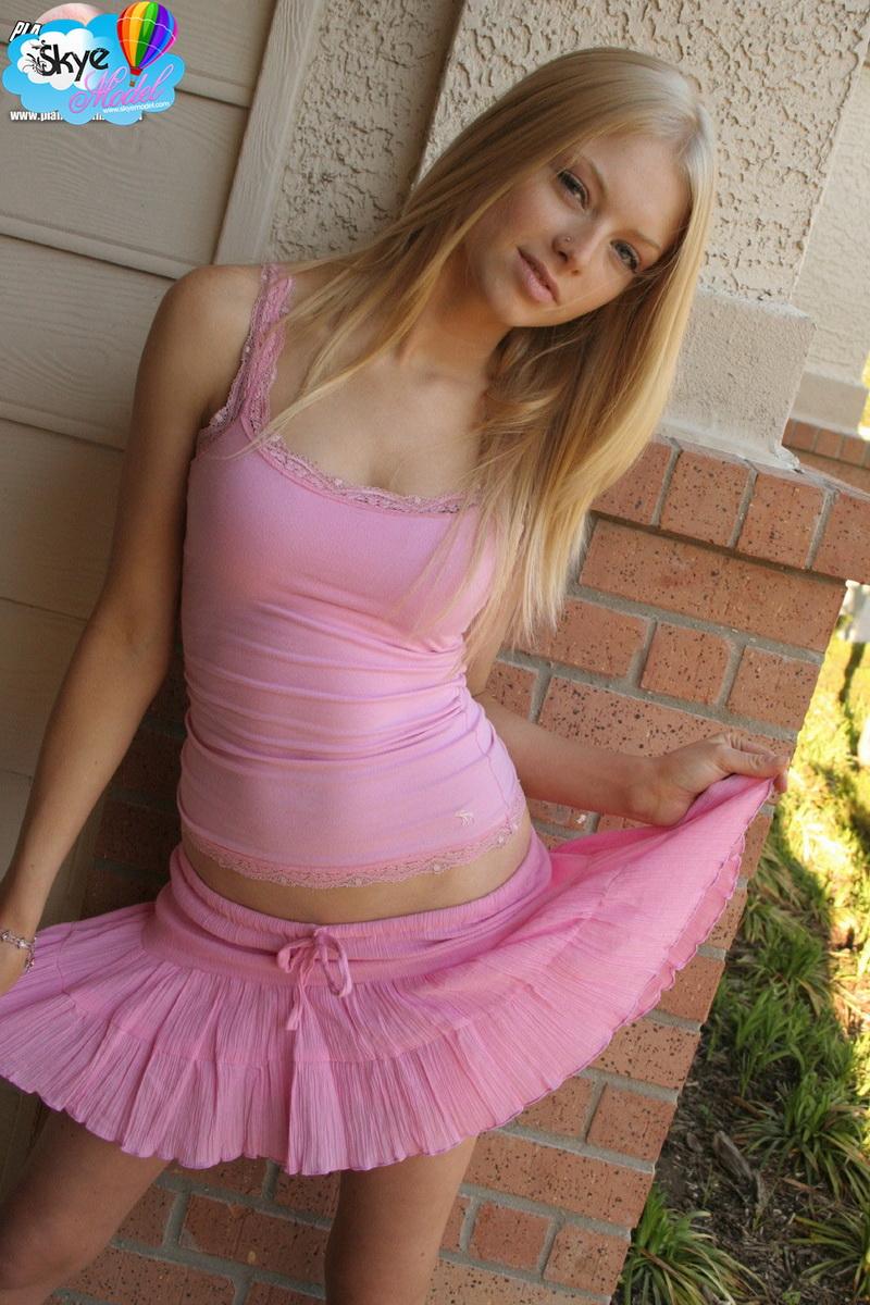 cute teen hot skirt sex